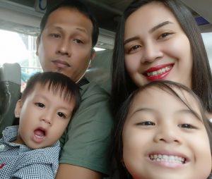 Kriz Manalo with her Family
