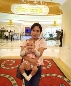 joanne-navallasca-family-with-daughter