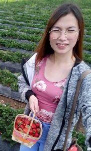 emmanuel-chuca-strawberry-picking